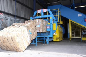 plastic strapping baler